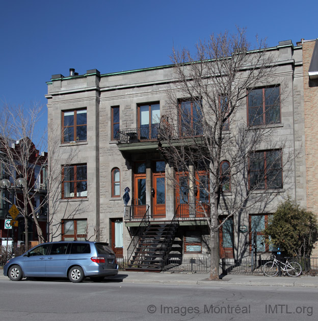 Attached Triplex on Mont-Royal