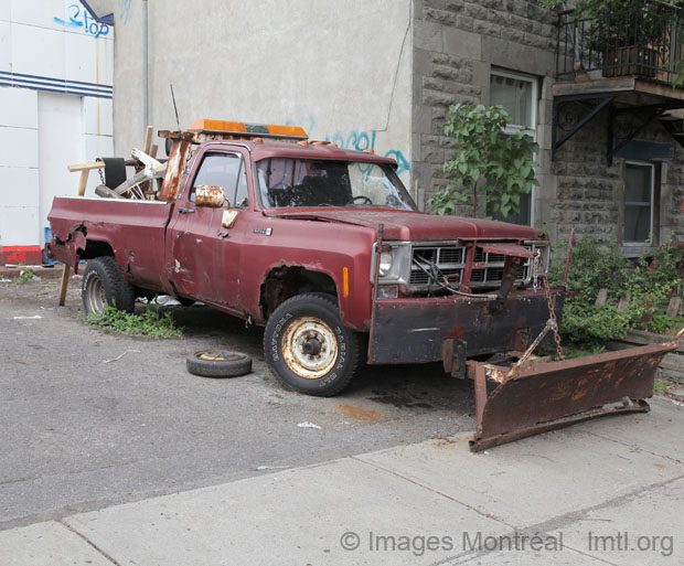 Sir Tow Mater in the Mile-End