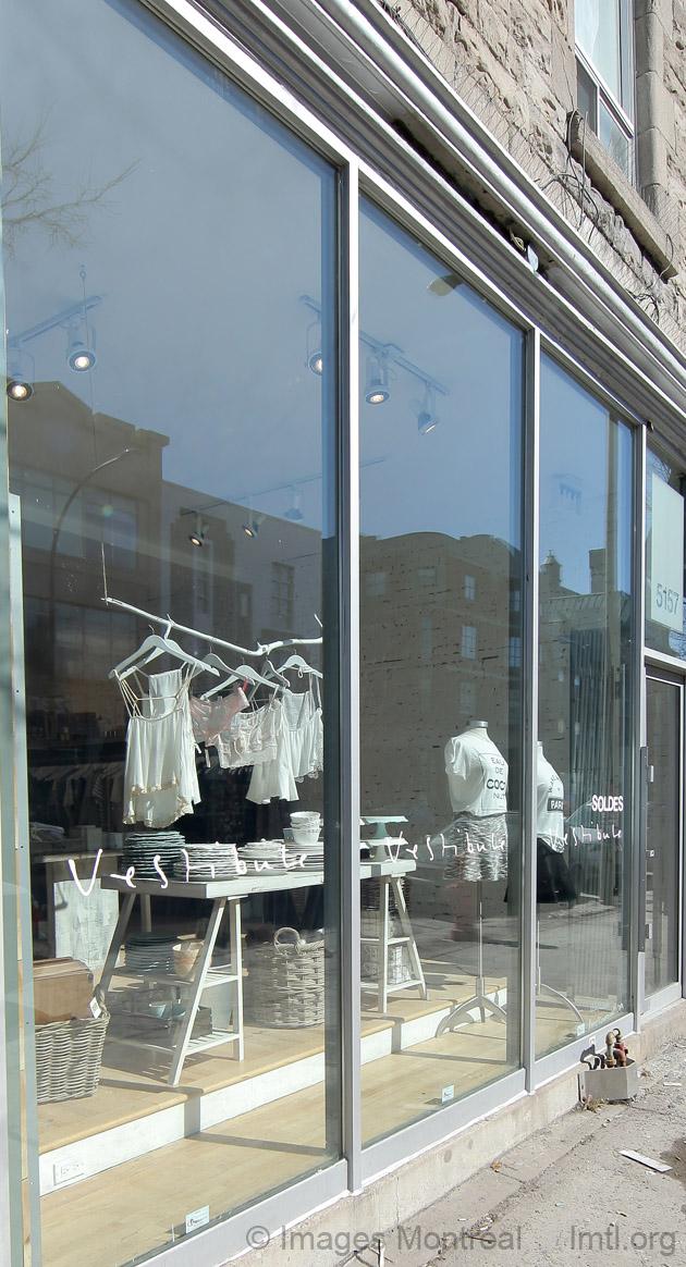 Boutique vestibule picture 5157 boulevard saint laurent for Boutique meuble rue st laurent montreal