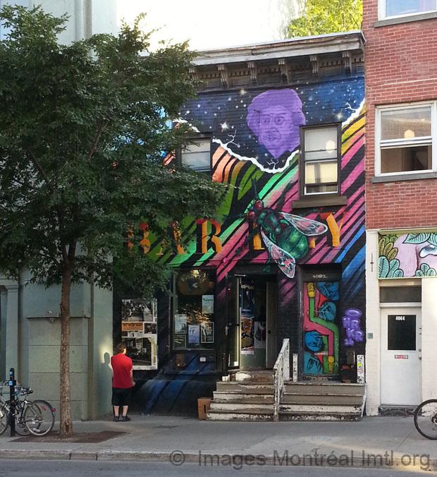 Maison illustr e sur le boulevard saint laurent montr al for Boutique meuble rue st laurent montreal
