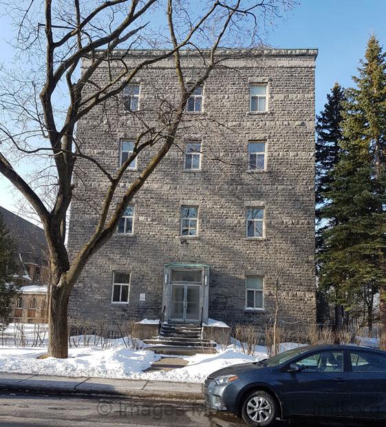 Maison provinciale des clercs de saint viateur montreal for Maison provinciale