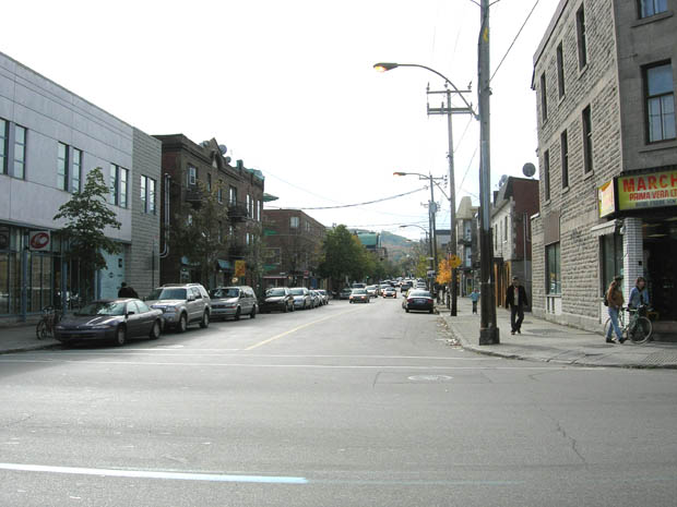 Rue Fairmount au coin de Saint-Laurent