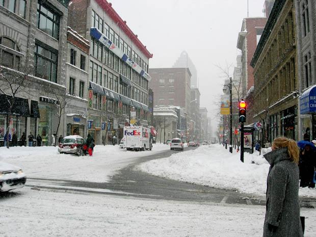 centre ville sous la neige montr al. Black Bedroom Furniture Sets. Home Design Ideas