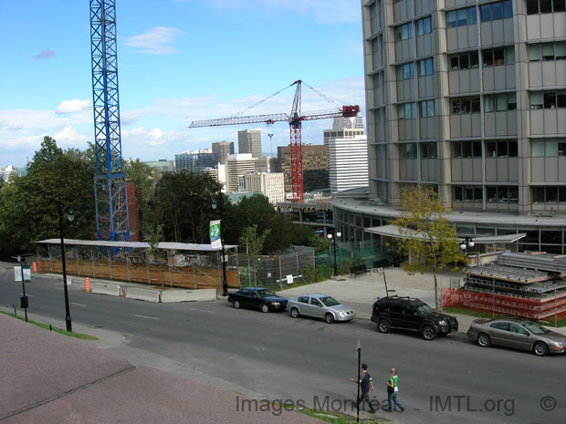 Centre de la vie McGill en construction