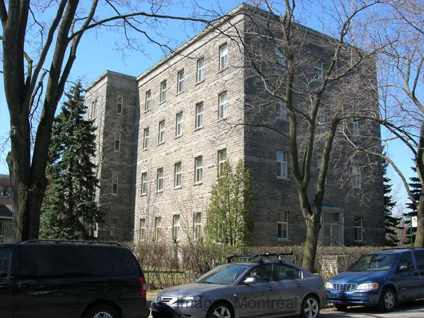 Maison provinciale des clercs de saint viateur montr al for Maison provinciale