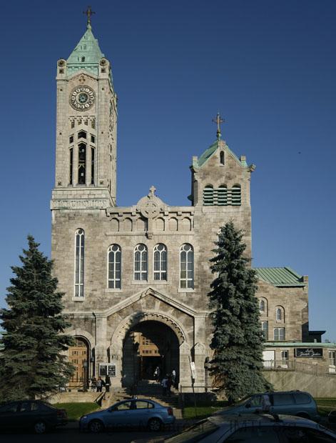 Saint denis church montreal for Meubles montreal st denis